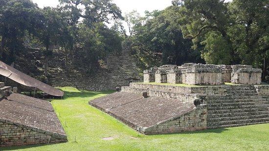 Wisata Arkeologi Reruntuhan Copán di Honduras